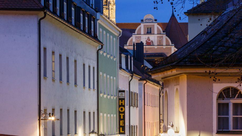 Am_Peterstor-Regensburg-Aussenansicht